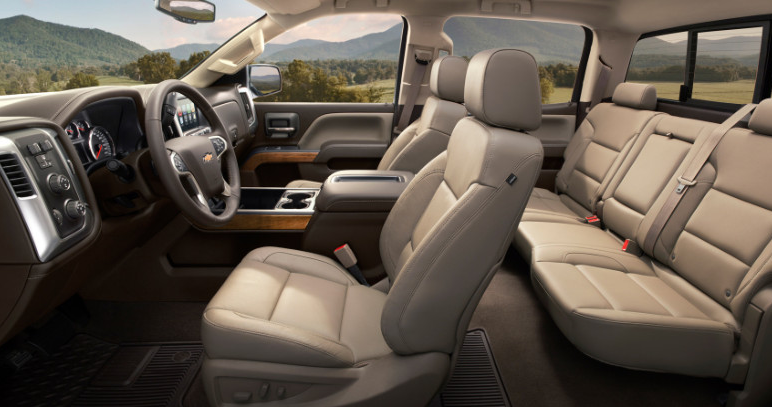 2020 Chevy HD High Country Interior